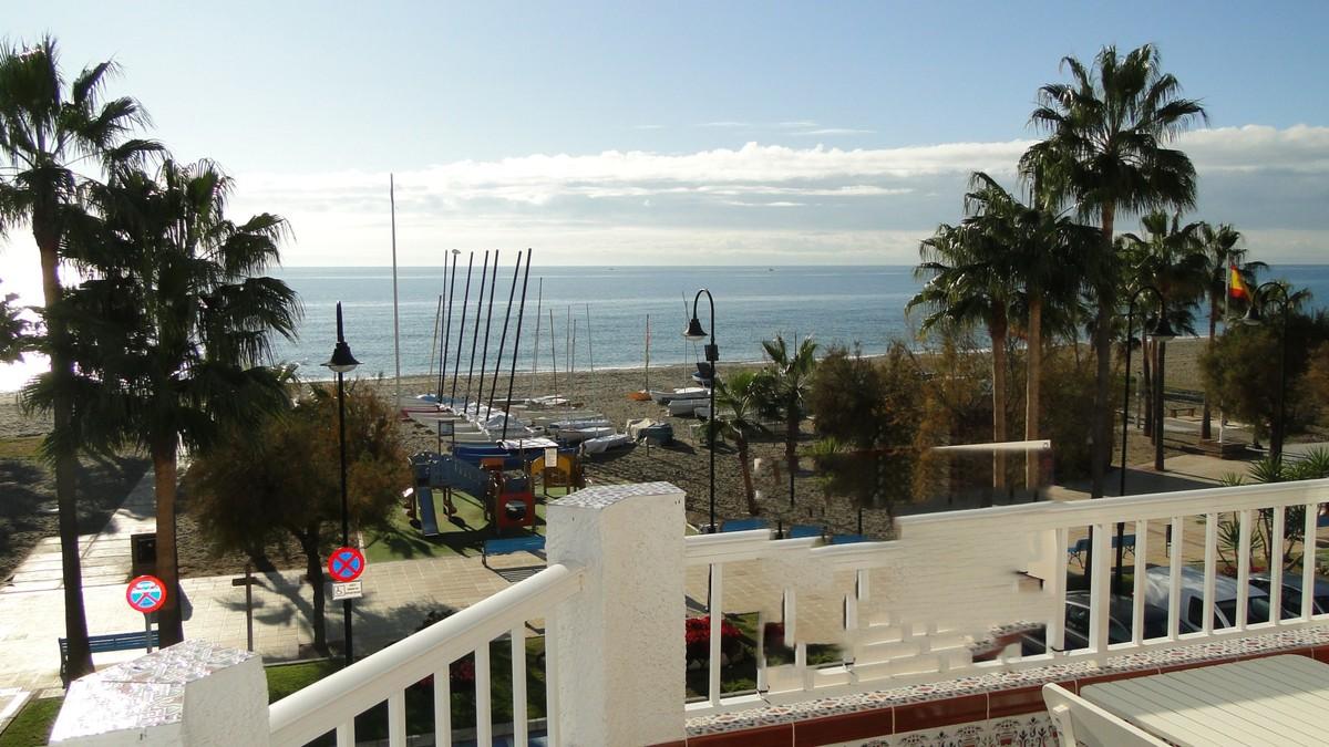 beachfront apartment la cala 14