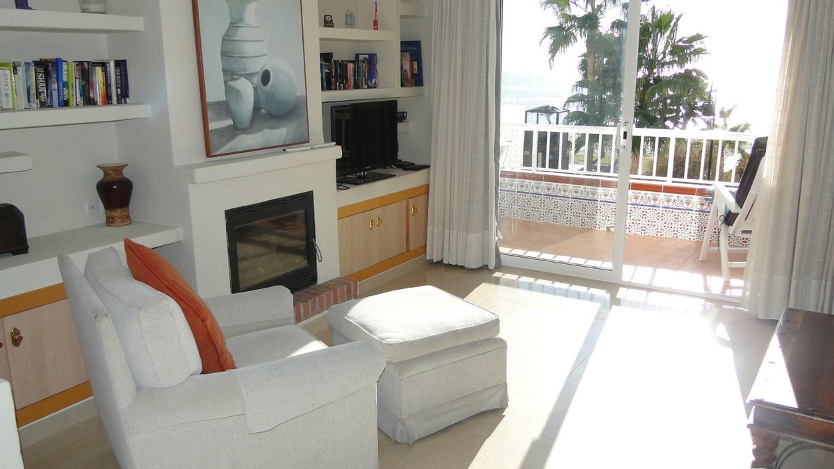beachfront apartment la cala 15