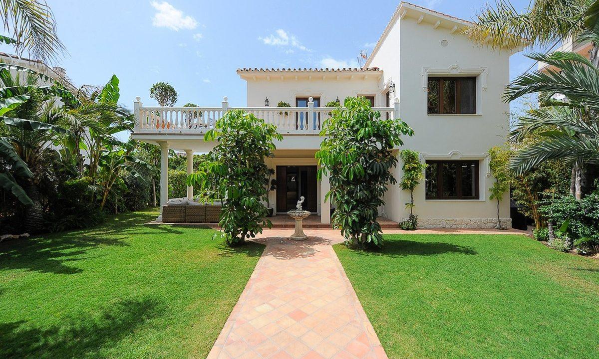 best villas for sale in la cala 1