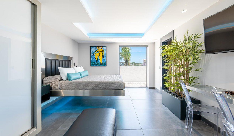 Beachfront Contemporary Villa in Mijas Costa 21
