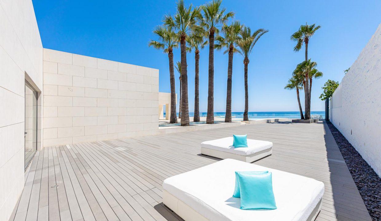 Beachfront Contemporary Villa in Mijas Costa 25