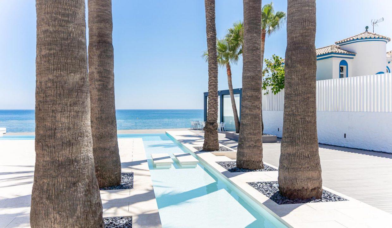 Beachfront Contemporary Villa in Mijas Costa 26