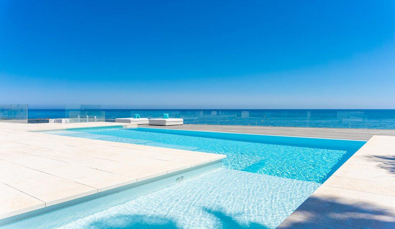 Beachfront Contemporary Villa in Mijas Costa 3