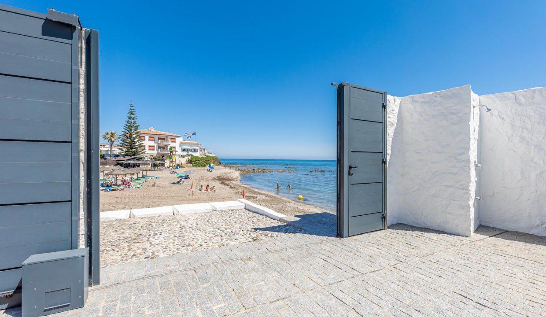 Beachfront Contemporary Villa in Mijas Costa 30