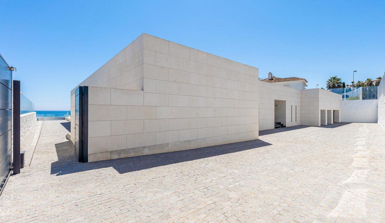 Beachfront Contemporary Villa in Mijas Costa 31