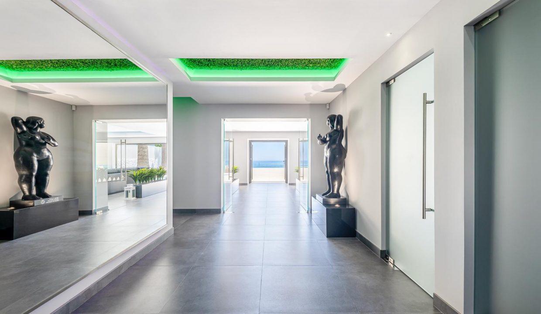 Beachfront Contemporary Villa in Mijas Costa 6